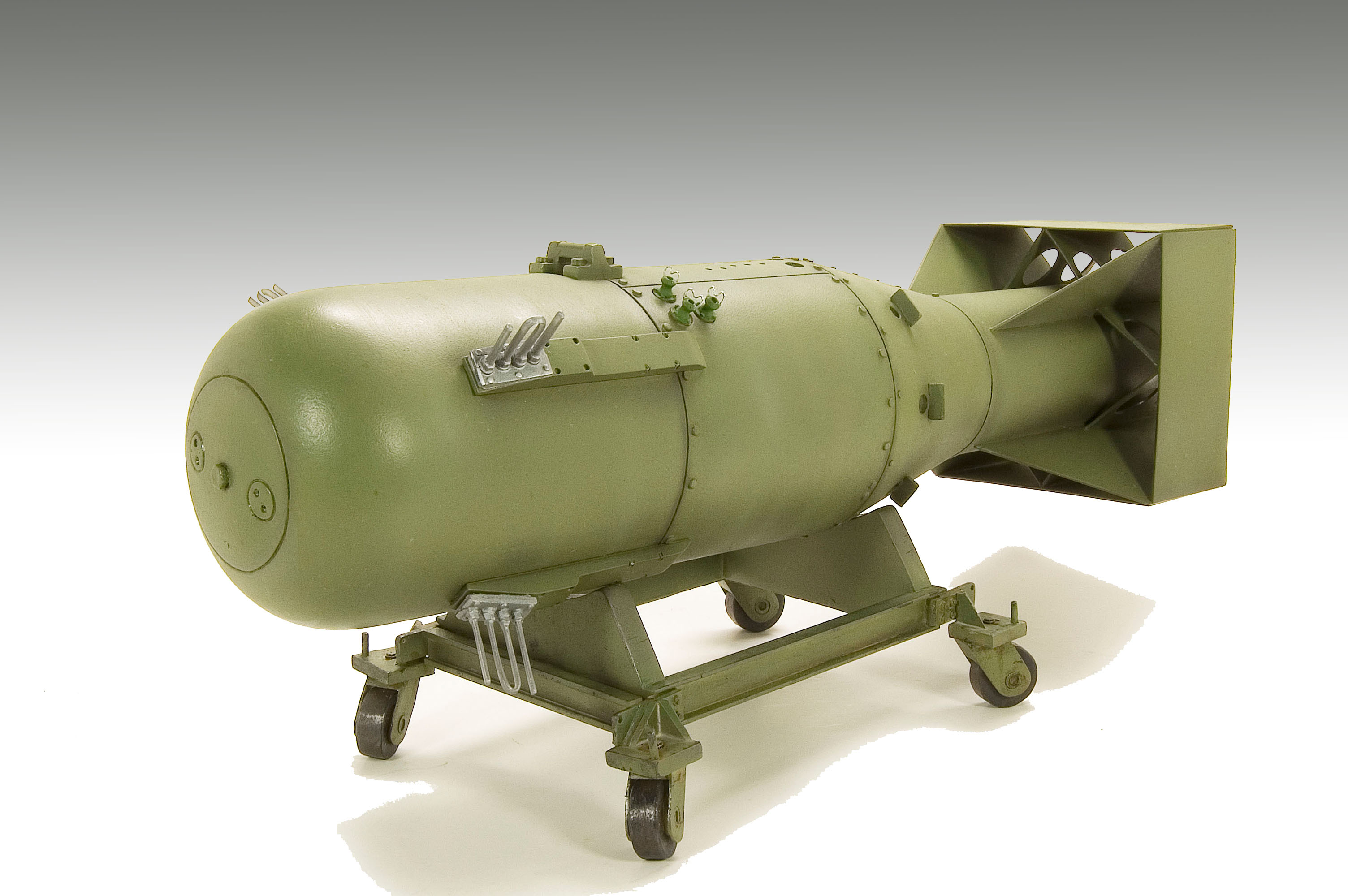 Little Boy Atomic Bomb 1/12 Scale Model Kit | Military Model Kits ...